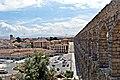 Acueducto y su plaza - panoramio.jpg
