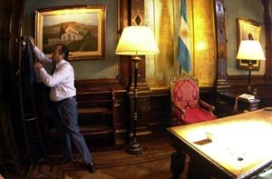 December 2001 riots in Argentina - Adolfo Rodríguez Saá at his office in the Casa Rosada