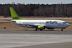 Air Baltic, YL-BBS, Boeing 737-31S (41662055612).jpg