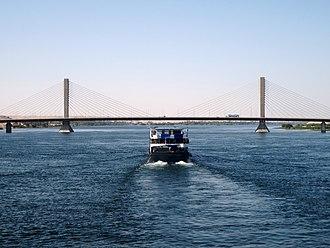 Aswan - Image: Al Khattarah Aswan Bridge