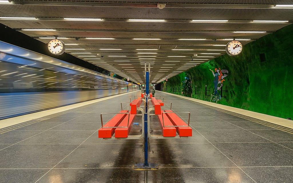 Alby metro station September 2014 02.jpg