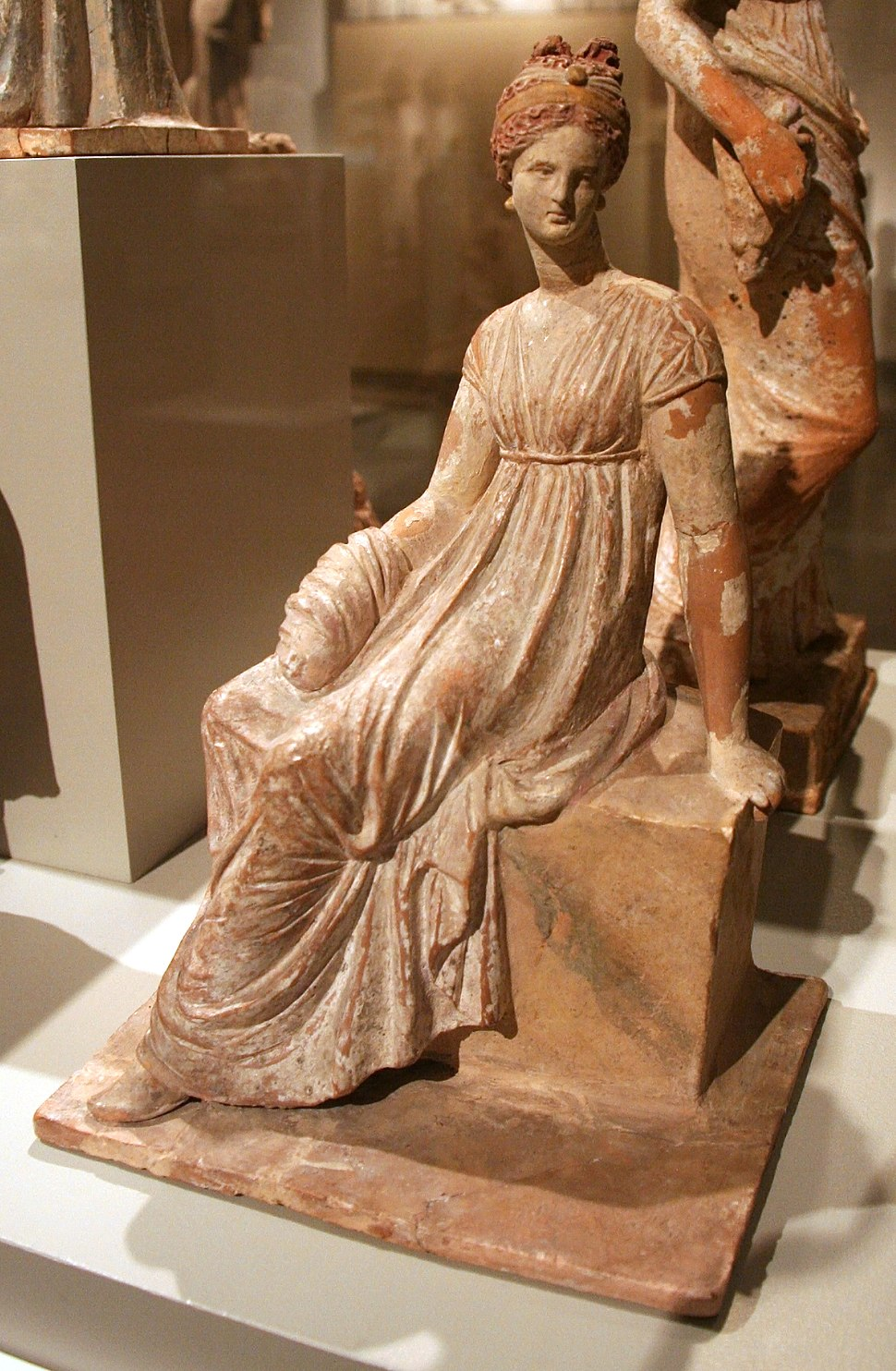 Altes Museum - Tanagra Figurine3