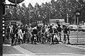 Ambtenarenstaking (Amsterdam) fietsers onderweg naar het werk, Bestanddeelnr 929-7870.jpg