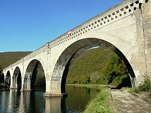Anchamps - Railway viaduct over the Meuse between Anchamps and Laifour