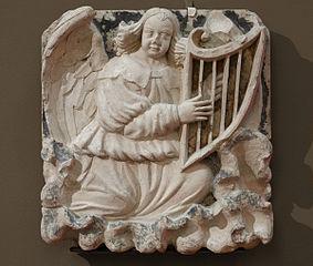 Ange jouant de la harpe