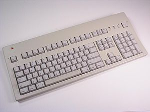 Apple Extended Keyboard - Apple Extended Keyboard II