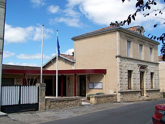 Arbanats - The town hall in Arbanats
