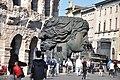 Arena di Verona con testa.jpg