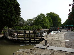 Argens Lock on the Canal du Midi.JPG