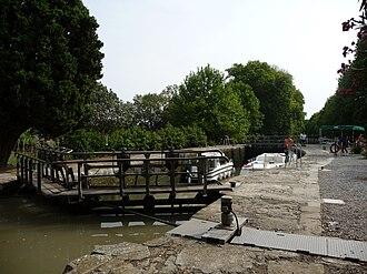 Argens-Minervois - Lock on the Canal du Midi