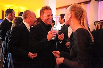 Cassian Elwes - Image: Art of Elysium Heaven & Hell Gala 2009 Cassian Elwes, Ryan Kavanaugh, Kate Bosworth (3192562279)