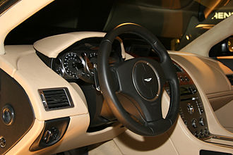 Aston Martin DB9 - Interior