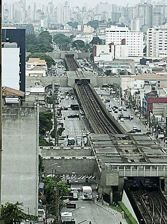 Line 1 (São Paulo Metro) - Image: Avenida Cruzeiro do Sul