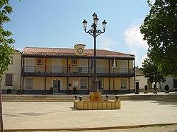 Ayuntamiento de Daganzo de Arriba.jpg
