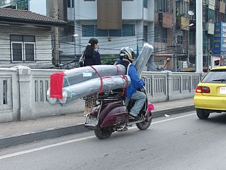 Vespa - Bangkok: Vespa in business mode