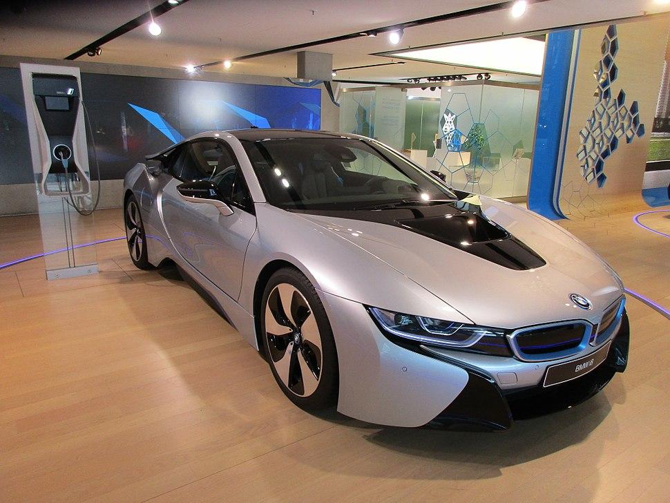 BMW i8 001