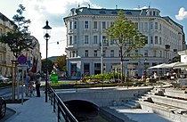 Baden bei Wien Josefsplatz Badener Mühlbach Westportal (300813).jpg