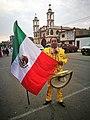 Ballarí del grup Espíritu Mexicano al Festichincha 2017 davant església del Pueblo Nuevo02.jpg