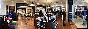 Banana Republic - Inside the store
