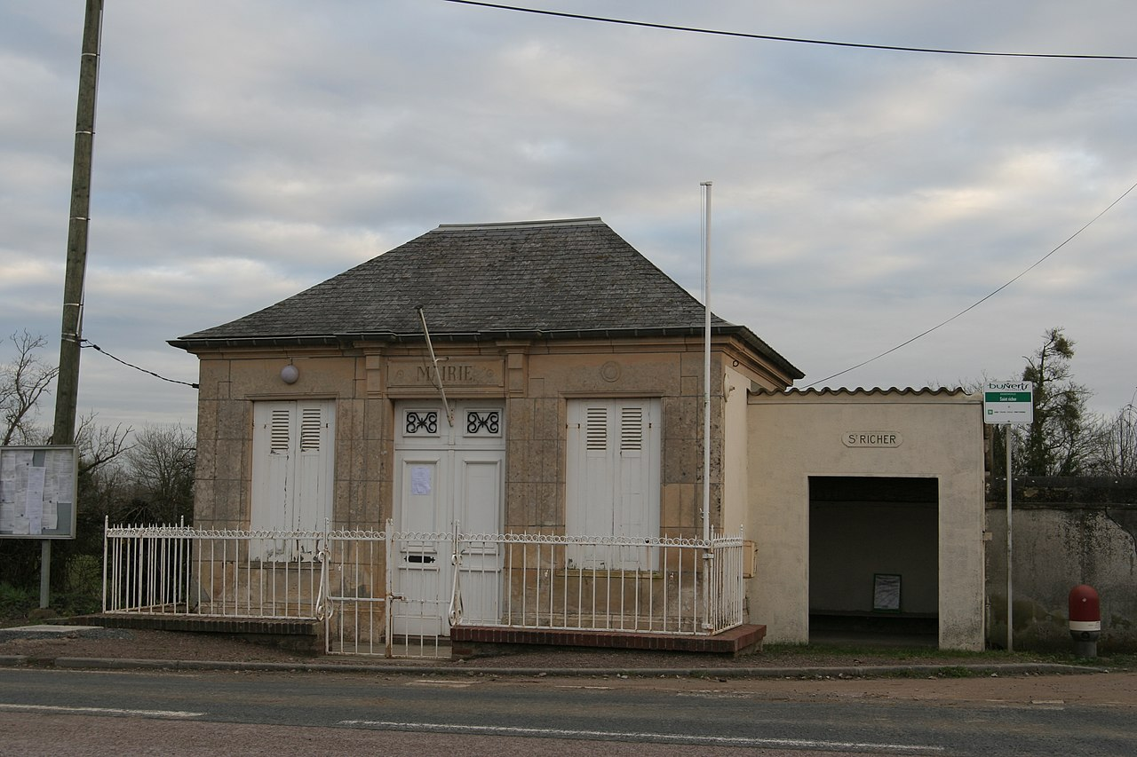 Basseneville - Mairie.JPG