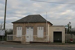 Basseneville - Town hall