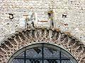 Beauvais (60), église Notre-Dame-de-la-Basse-Œuvre, bas-relief sur le pignon 1.JPG
