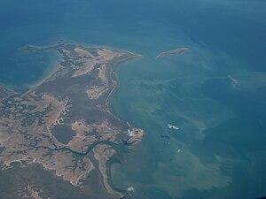 South Wellesley Islands - Image: Bentinck Island 04