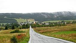 Pohled na Horní Blatnou od východu