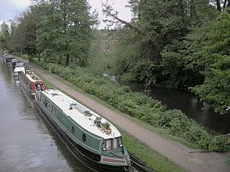 River Bulbourne - The Grand Union Canal with unnavigable river Bulbourne at Berkhamsted