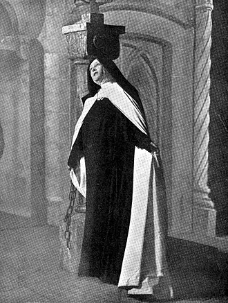 Sarah Bernhardt as St. Theresa in La Vierge d'Avila (1906) Bernhardt-La-Vierge-d'Avila-1906.jpg