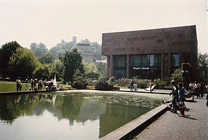 Kunsthalle Bielefeld - Former water basin in the Sculpture Garden (May 1985)