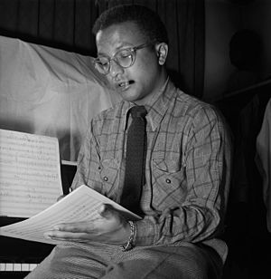 Billy Strayhorn, New York, N.Y., between 1946 and 1948 (William P. Gottlieb 08211).jpg