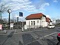Bischofsheimer (Mainspitze) Bahnhof- von Straße Am Rampen aus 29.3.2009.JPG