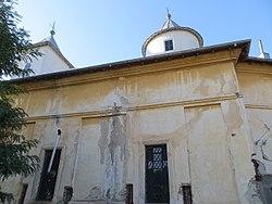 Biserica din Crevedia Mare (1).JPG