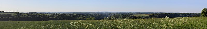 File:Blick von Obersimten auf das Zweibrücker Hügelland.jpg