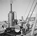 Bouwvakkers bezig met een heimachine op de achtergrond de toren van de Laurensk, Bestanddeelnr 254-5138.jpg