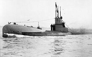 British R-class submarine - Image: British WWI Submarine HMS R3