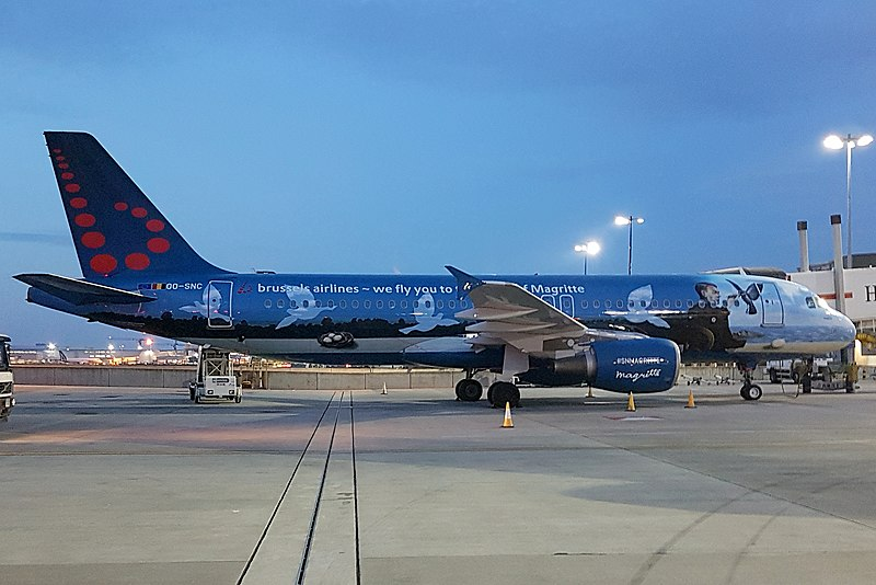 File:Brussels Airlines (René Magritte livery) Airbus A320-214 (OO-SNC) at London Heathrow Airport.jpg