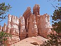 Bryce Canyon Queens Garden Trail verkl.jpg