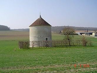 Château de Bucey-en-Othe - The dovecote