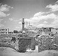 Cairo Zuidelijke begraafplaats met zicht op de citadel met de Mohammed Alimoske, Bestanddeelnr 252-1719.jpg