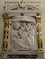 Cappella del noviziato, monumento a francesco lamberti con frammenti vari, tra cui madonna della scuola di donatello 02.JPG