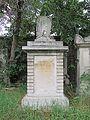 Carl and Therese von Henikstein grave, Vienna, 2016.jpg