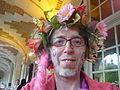 Carnaval des Femmes 2011 - Un travesti à l'arrivée place des Vosges.JPG