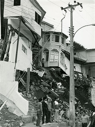 1985 Algarrobo earthquake - Houses affected in San Antonio, Valparaiso, by the 1985 Algarrobo earthquake.