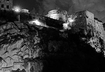 Castello di Murat di notte.JPG