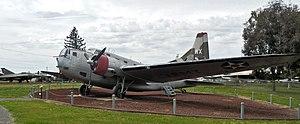 B-18轰炸机