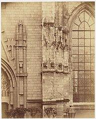 Photographie d'un détail de la pile à quatre niches de la cathédrale de Nantes