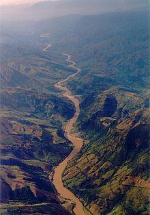 Caucan River Canyon - hejme de la nova parvola Thryophilus sernai (Cucarachero Paisa) (7241470126).jpg