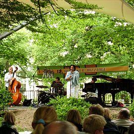 Cecile Verny Quartet Hilden 2008.JPG
